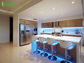 Giải pháp lựa chọn đèn chiếu sáng tủ bếp hoàn hảo